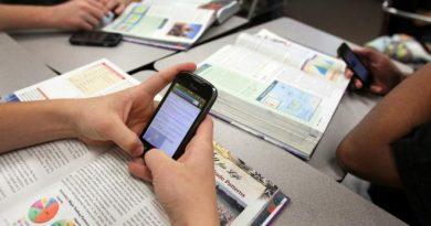 L'ús dels mòbils en les aules, es converteix en un tema important a tractar