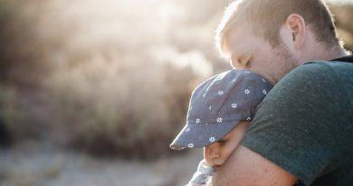 Els docents de la concertada que siguen pares rebran un permís de fins a 6 setmanes per paternitat